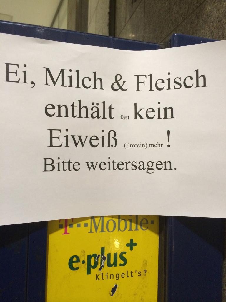 AA S-Bf Friedrichstr_Amadeus-b