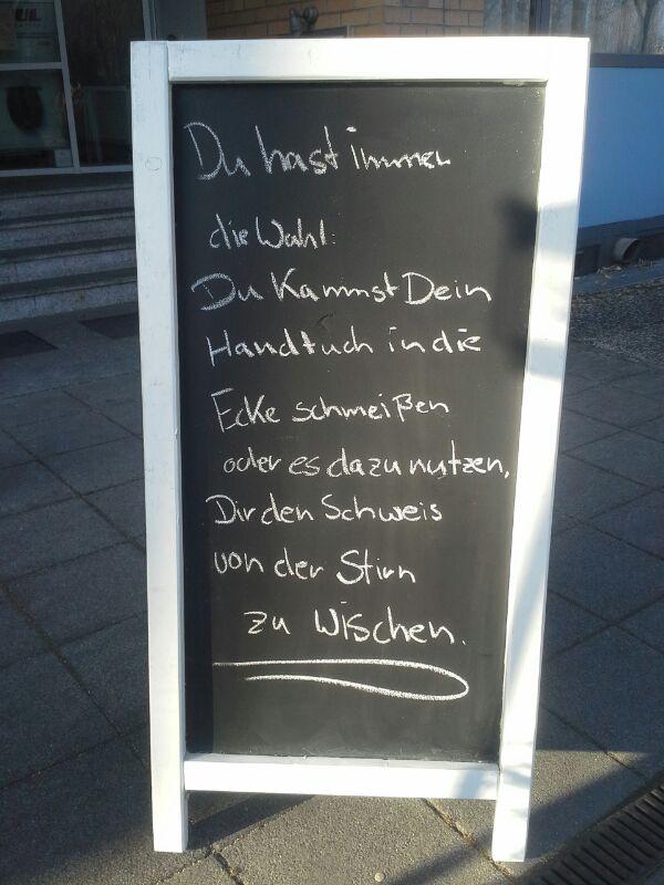 Rennbahnstr Ecke Gustav-Adolf-Str_Hotel Comfort Weissensee_Yvonne_TAFEL-MESSAGE