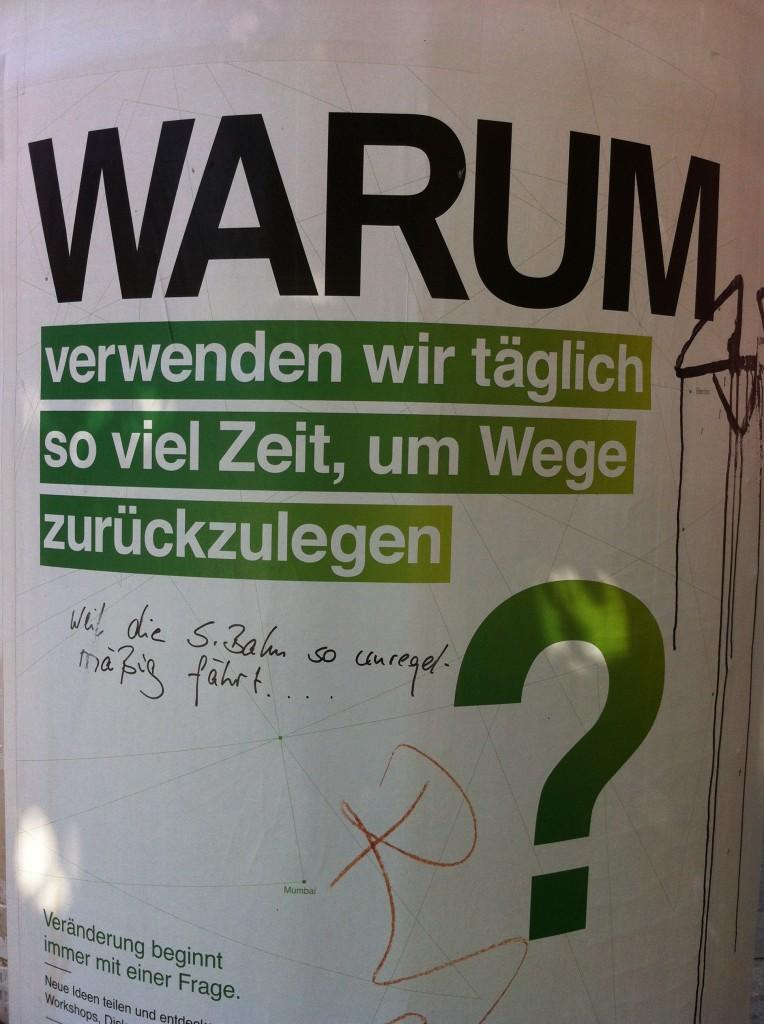 Danziger Str Ecke Senefelder Str_ADBUSTIN_Tobias_Kommentar Berliner Humor schlaegt biederes BMW Guggenheim Lab