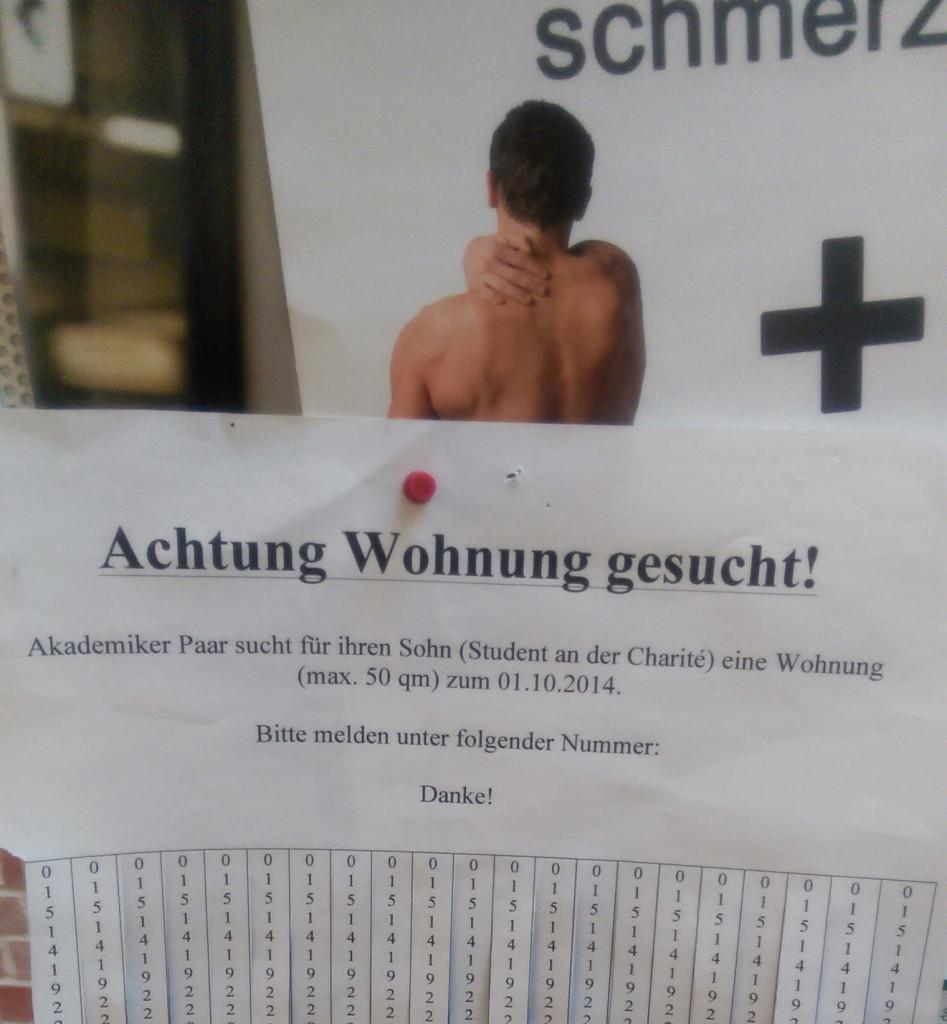 Charite Campus_Mitte_Sauerbruchweg 5_Pinnwand in der Eingangshalle_Ingo-b