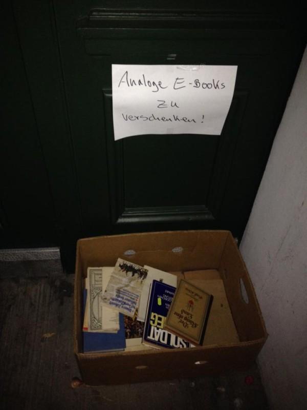 AA Gruenberger Str_Fhain_Anita_Analoge E-Books zu verschenken