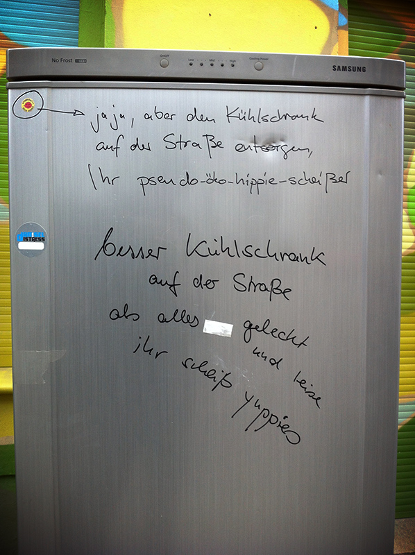 Kuehlrschrank_Berlin-pseudo-Oeko-Hippie-Scheisser