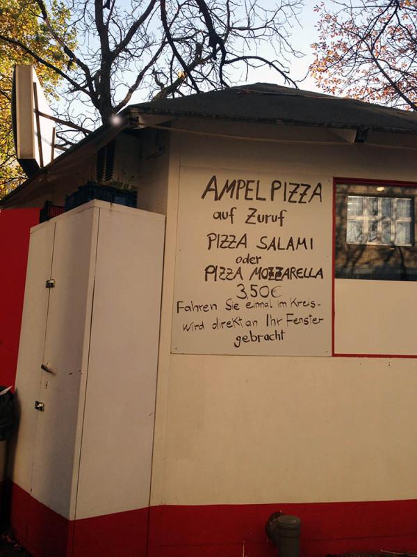 Ampel Pizza Ampelpizza Berlin Pizza Drive in