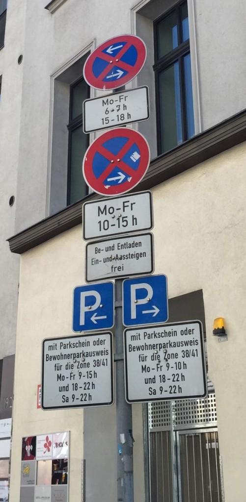 Parken in Berlin-Mitte Parkschild