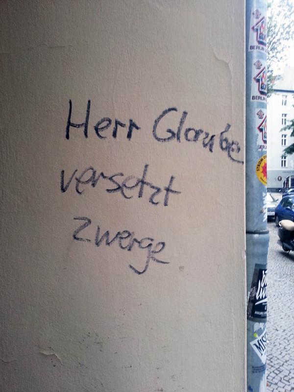 Zwerge Berlin Glaube Graffiti