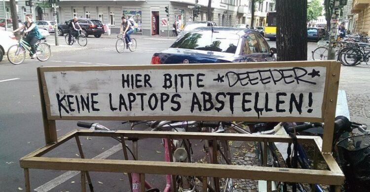 Hipster Neukölln Laptop