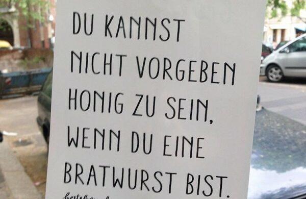 Street Art Berlin Bratwurst Honig
