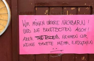 Paketboten Nachbarn Berlin