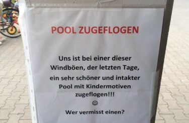 Pool verloren Kinderspielzeug Berlin