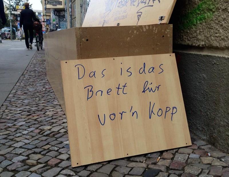 Müll auf die Straße gestellt Berlin BSR