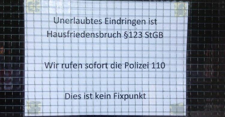 Drogen im Treppenhaus Hausfriedensbruch Fixer Berlin