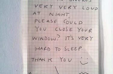 Lautes Schnarchen der Nachbarn