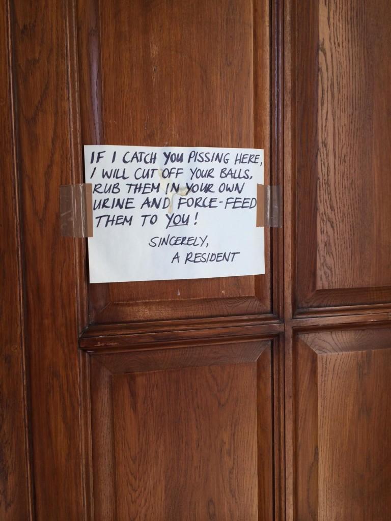 Urin Nachbarn Pisse im Hausflur Treppenhaus