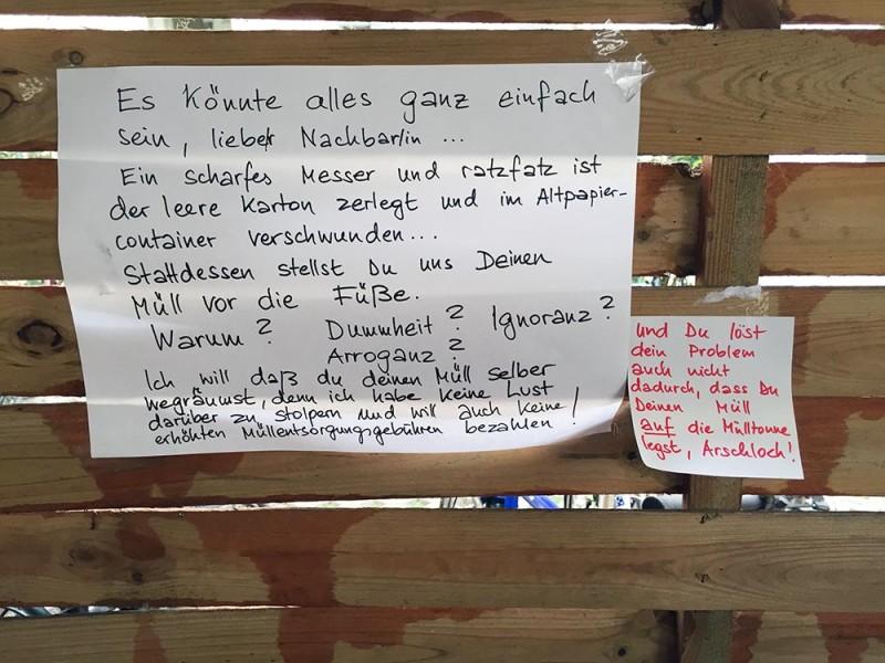 Berlin ist dreckig Berlin bleibt dreckig Faule Nachbarn Müll Probleme mit den Nachbarn in Berlin