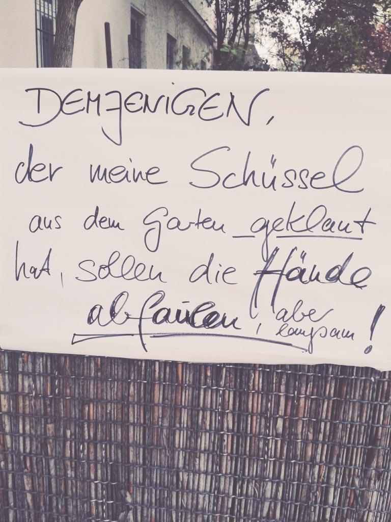Dem Dieb sollen die Finger abfaulen Zettel Notes of Berlin Zettel