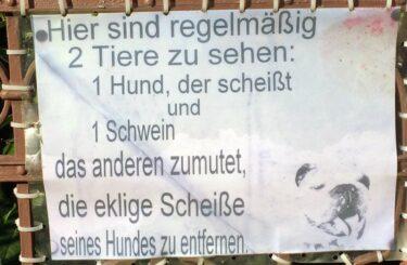Hundescheisse Berlin Schweinerei Sauerei Hundehalter Kacke auf der Strasse
