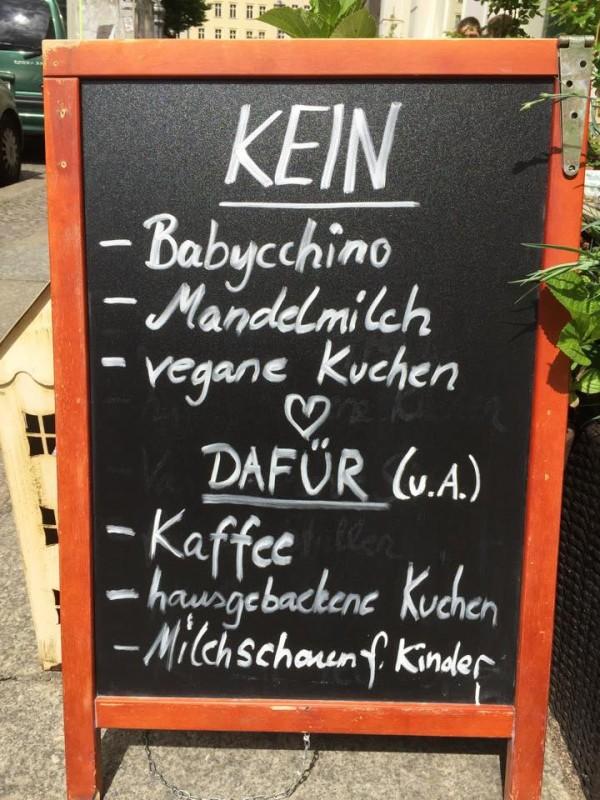 Veganes Cafe Berlin Veganer Kuchen Veganer Latte Mandelmilch Typisch Mitte Typisch Prenzlauer Berg Muttis