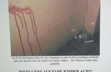 Drogen Spritzen Junkies im Treppenhaus Hausflur Drogenstadt Berlin