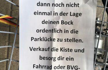 Falschparker Berlin Dumm geparkt Einparken ist schwer