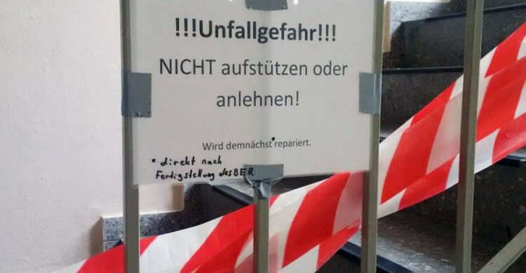 Witze ueber Flughafen Berlin BER Berliner Flughafen