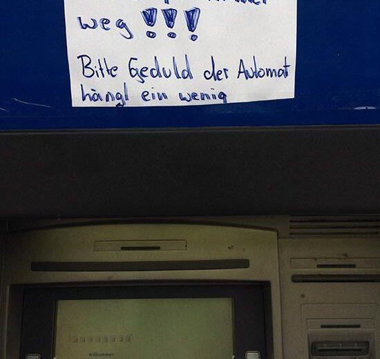 Karte in Geldautomat stecken geblieben