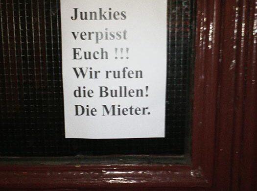 Junkies in Berlin_Polizei rufen