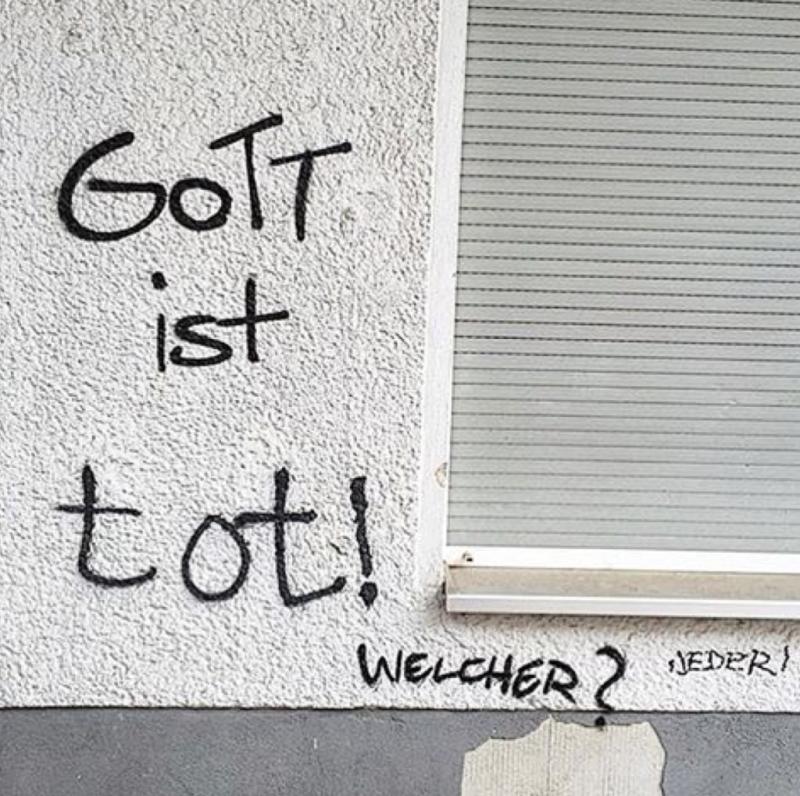 gott-ist-tot-es-gibt-keinen-gott-berliner-gott-1024x1019