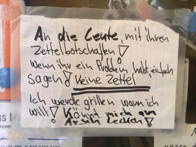 AA-NOTES-Bezug-Fundort-unbekannt_Hausflur_Kris-Tina